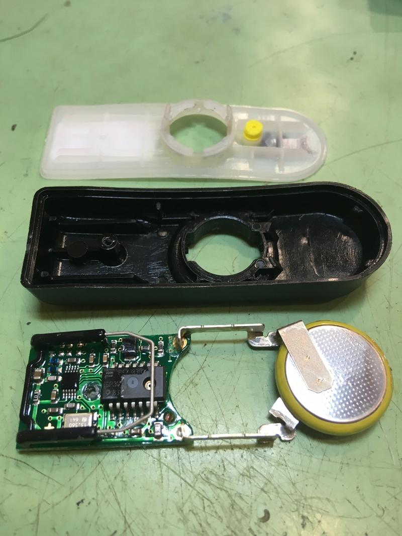 Changement de pile capteur de pression Pneu - Page 3 Img_3612