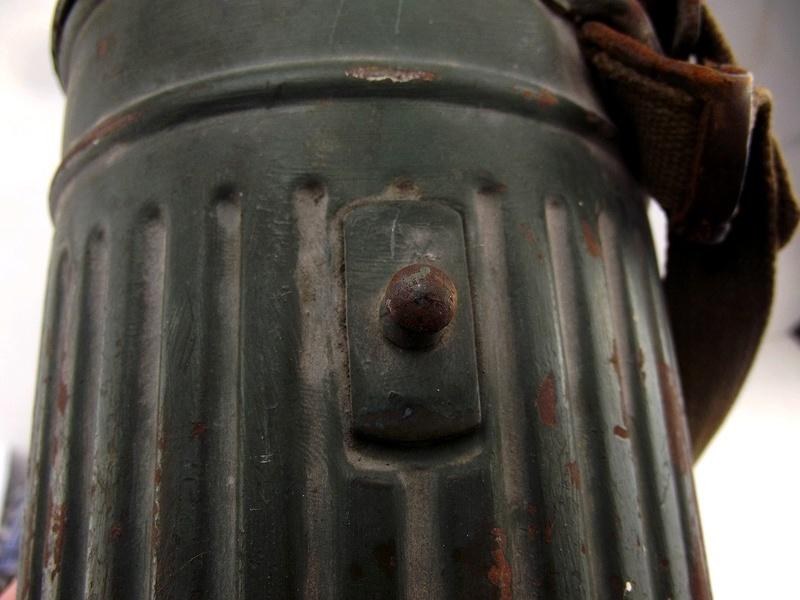 un masque a gaz sympa Dscf4433