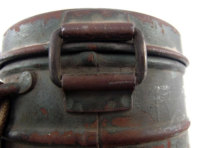 un masque a gaz sympa Dscf4435