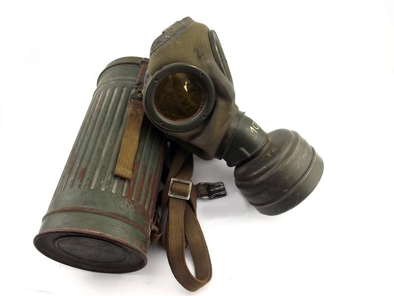 un masque a gaz sympa Dscf4441