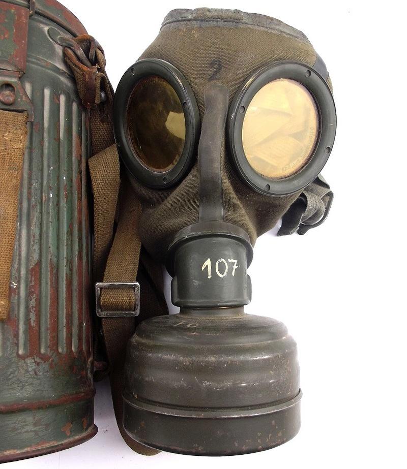 un masque a gaz sympa Dscf4443