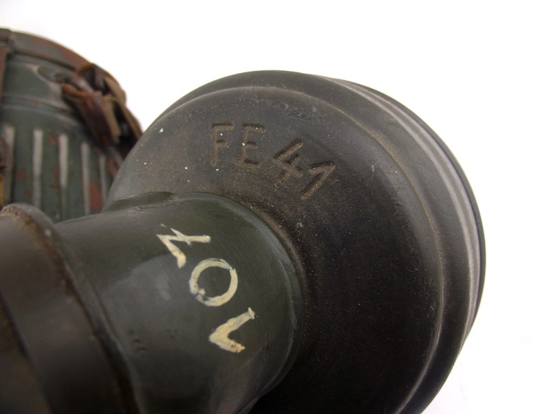 un masque a gaz sympa Dscf4445