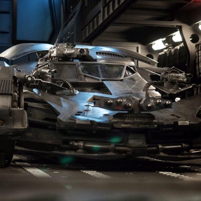 Zack Snyder nous dévoile la Batmobile de Justice League Batmob10