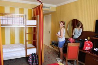 TR - Deux belges blondes en micro séjour à Disneyland Paris Img_4313