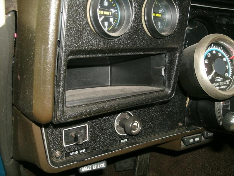 Aftermarket ot OEM gauges installation Dash_510