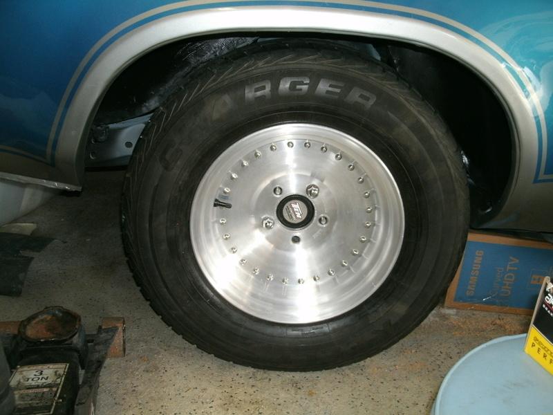 Rear tire rollers Rear_r15