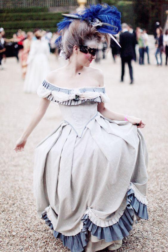 Versailles en costume d'époque, qui ose? - Page 5 141f6710