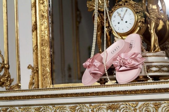 Marie-Antoinette à la salle de sport T0000011