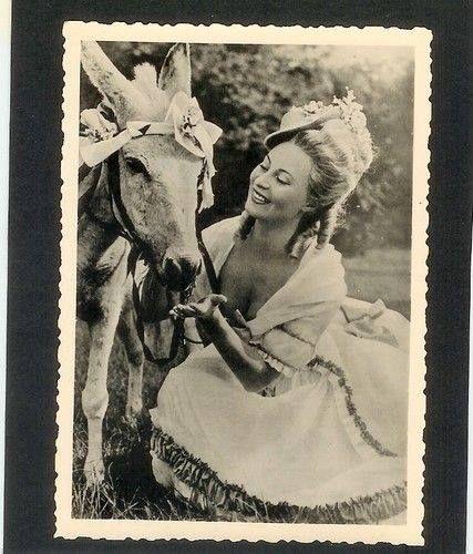 Marie Antoinette avec Michèle Morgan (Delannoy) - Page 10 Zzzfon10