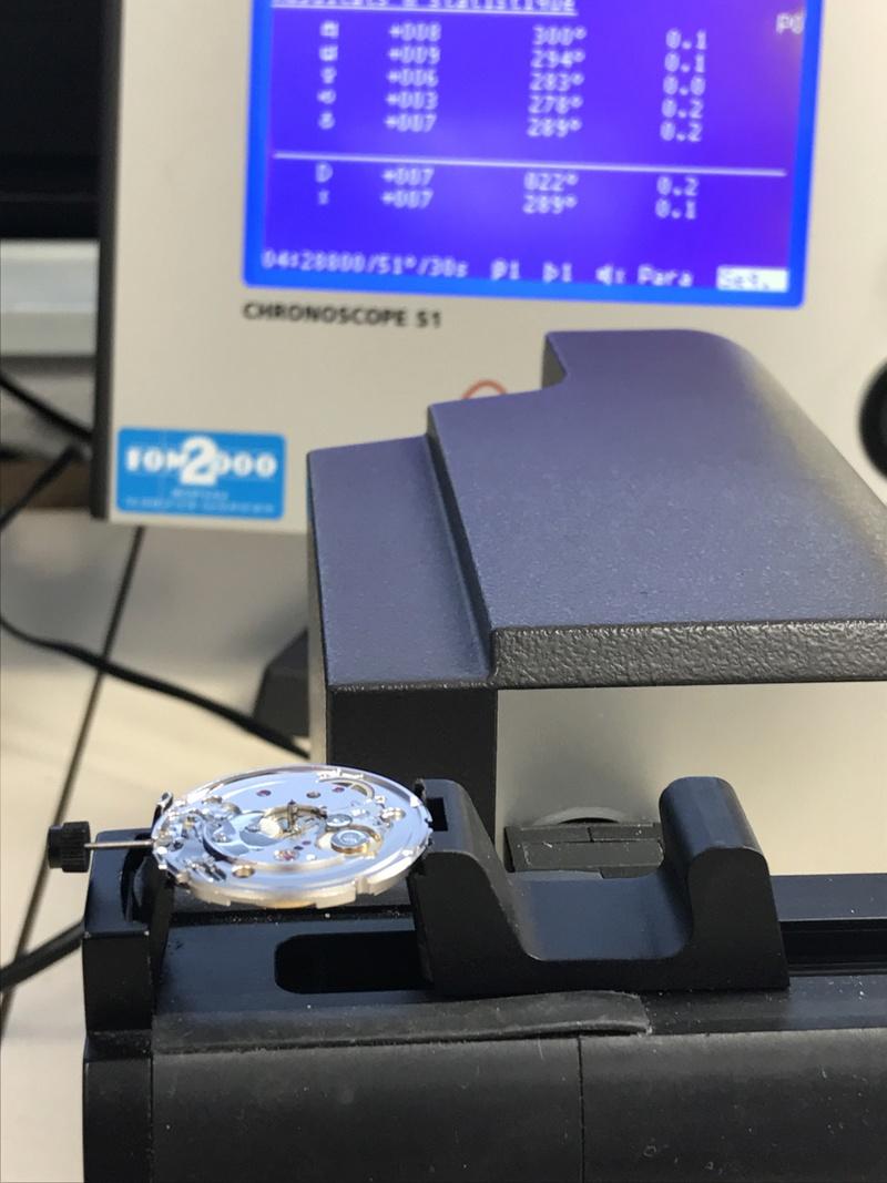 Humbert Droz Nouvelle marque Française avec ses 4 générations d'horlogers  - Page 3 Img_3223