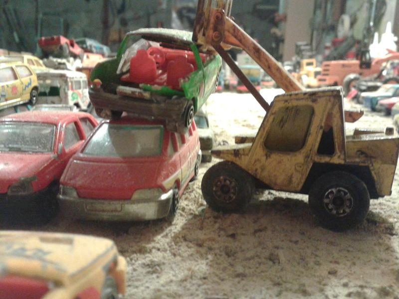 mon diorama casse majorette et autre  Ab_cas10