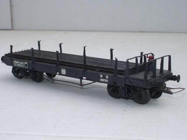 Wagons plats ranchers vides ou chargés Imgp6410