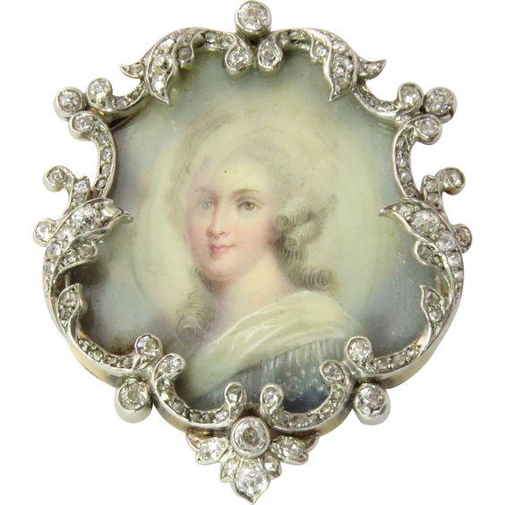 Le premier portrait de Marie Antoinette peint par Vigée Lebrun? - Page 3 Ac701110