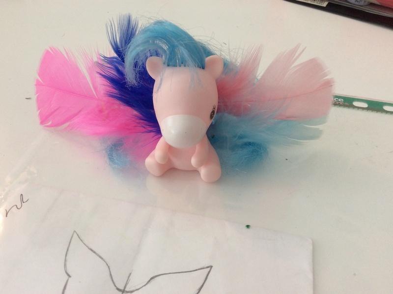 Suzy's DIY crafts NEW: faire des ailes pour son bebe Takara! Image124