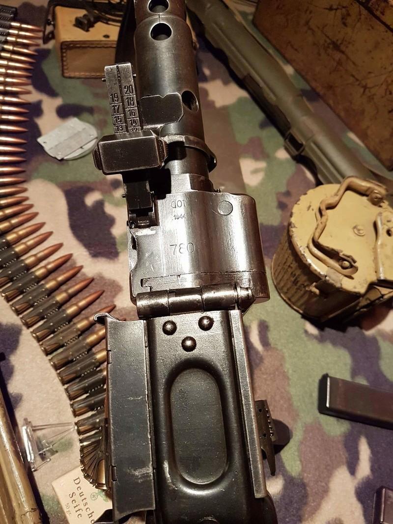 Numéro de série de MG 34 dot portugaise - Page 4 Receiv21