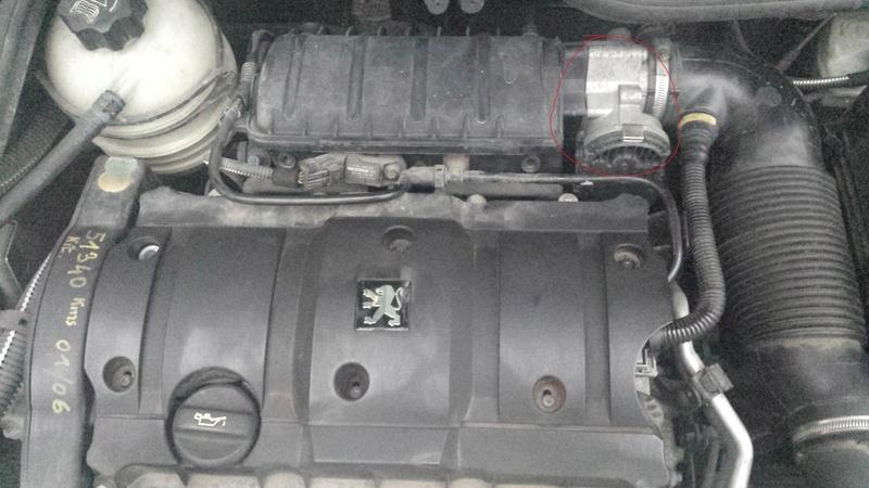 Depose injecteur moteur TU5JP4 206 1.6 16S 20170216