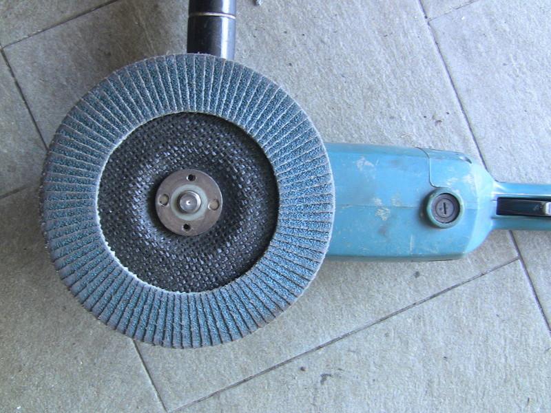 déformation pipe échappement ; modéle essence Img_9119