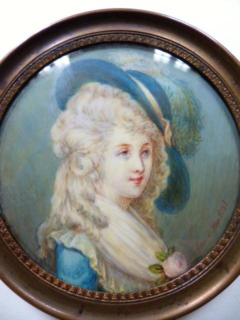 A vendre: miniatures de Marie Antoinette? - Page 5 P1540710