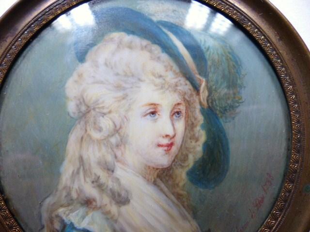A vendre: miniatures de Marie Antoinette? - Page 5 P1540711