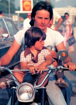 Gilles Villeneuve - Page 3 Gilles11