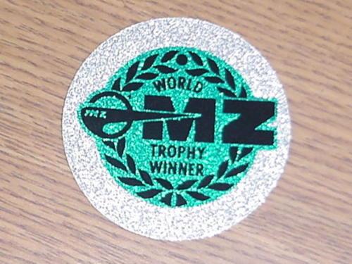 Des Autocollants Pour Décorer Nos MZ - Page 2 Trophy10