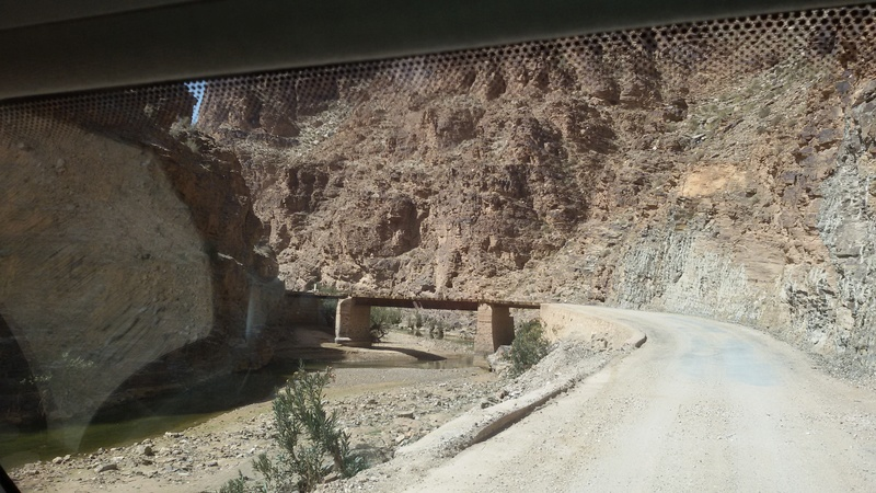 [Carburant, Routes, Police] Route pour accéder aux mines d'Aouli 042_2010