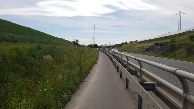 65239 Hochheim-Massenheim Rundweg Friedhof-Wicker-Hochheim Version 6,8 km.  20170643