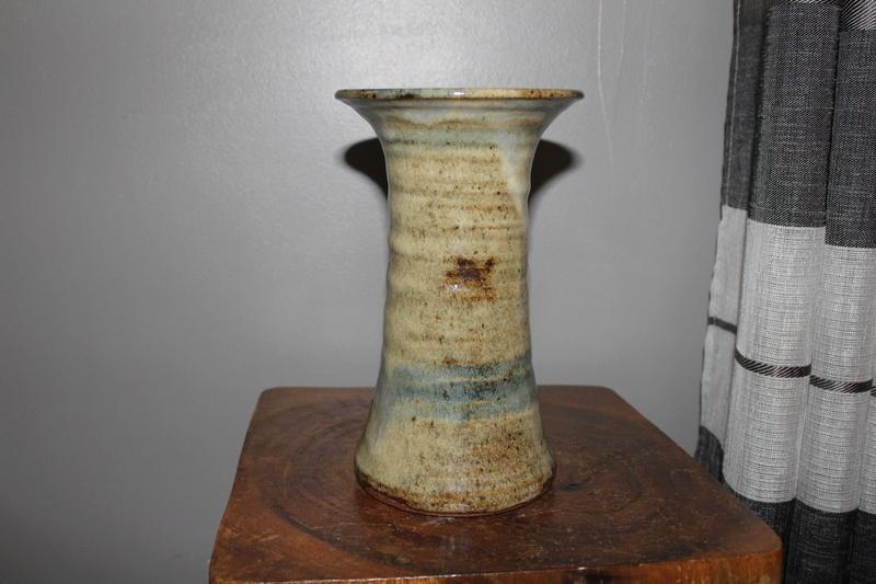 pottery vase-maker?? Img_3217