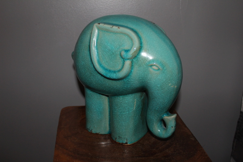 CRACKLE GLAZE ELEPHANT - Thai Celadon Img_4111