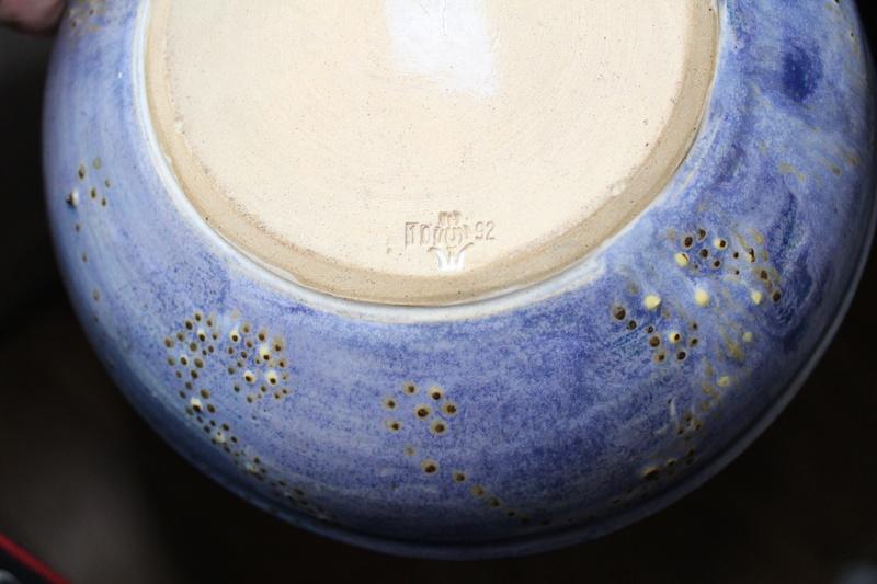Mark on pottery?? Img_5217