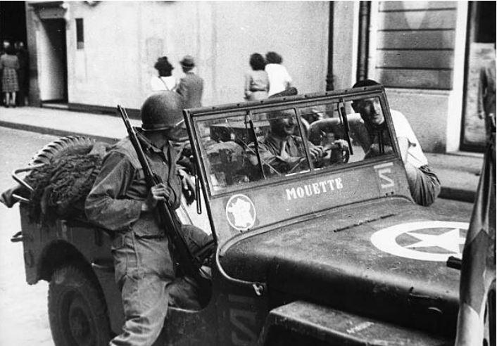 marquages jeep 2ème DB  Mouett10