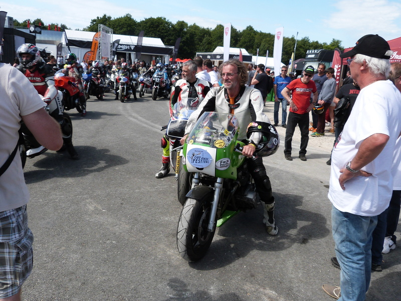 (10)-11 juin 2017 : Café Racer Montlhéry (et essai XDiavel) P1080435