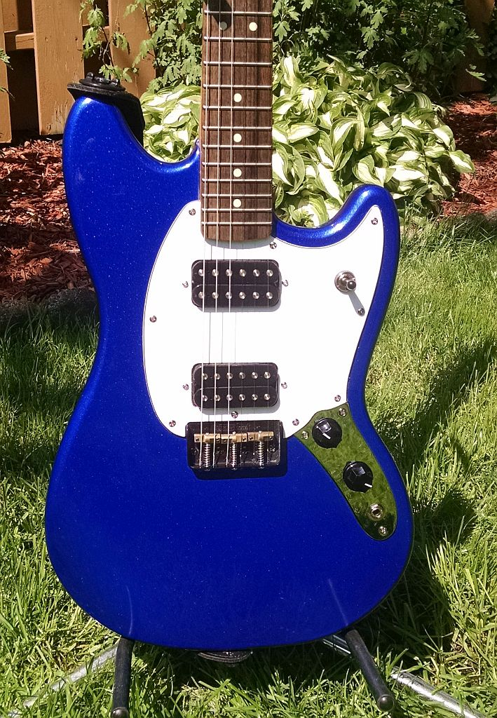 guitar - Daddy has a new toy [edit: added for search purposes]--> Squier Bullet Mustang! Fender15