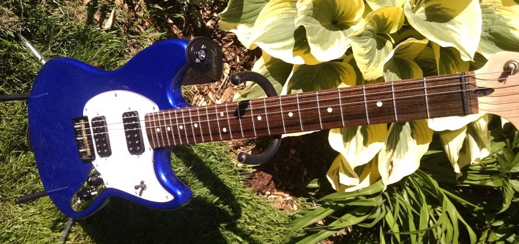 guitar - Daddy has a new toy [edit: added for search purposes]--> Squier Bullet Mustang! Fender18