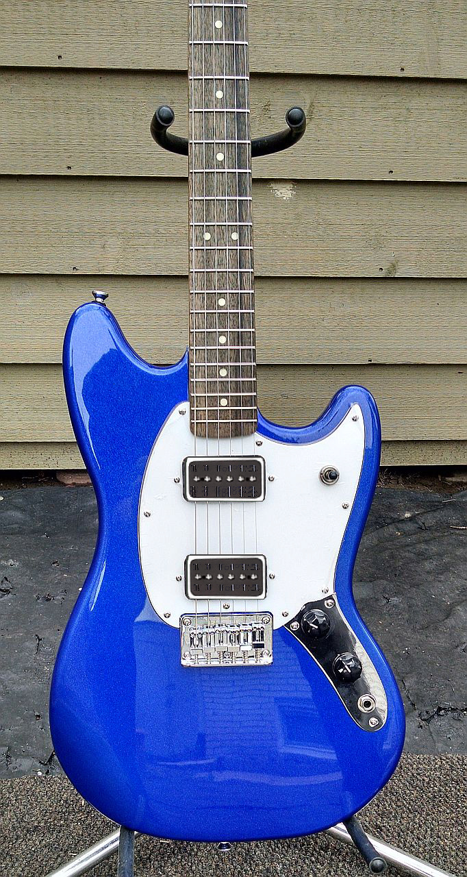 Daddy has a new toy [edit: added for search purposes]--> Squier Bullet Mustang! Mustan10