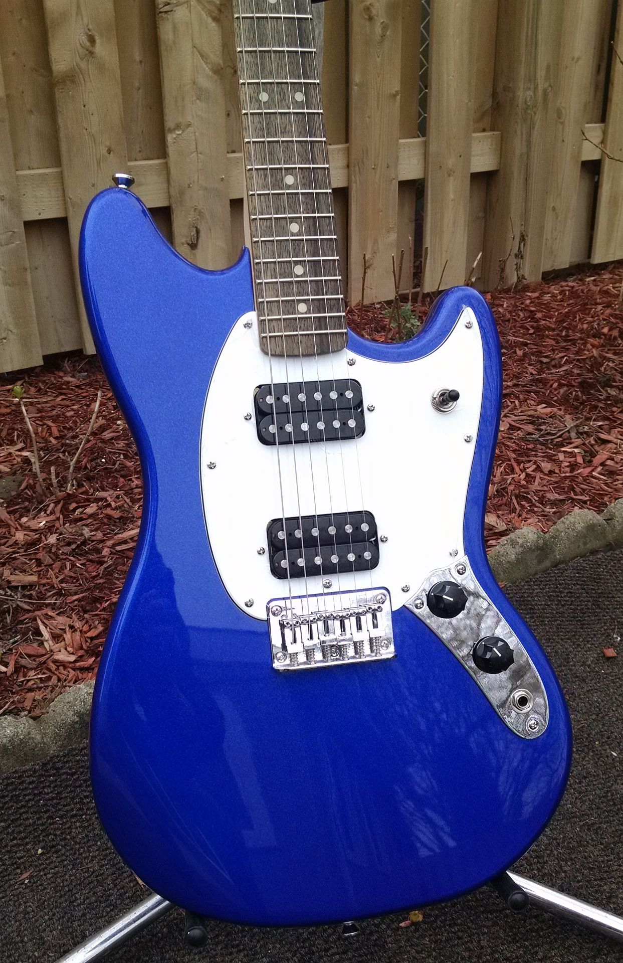 Daddy has a new toy [edit: added for search purposes]--> Squier Bullet Mustang! Squier12