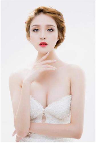 """Á hậu Hoàng Anh sexy, nõn nà bất ngờ """"làm vợ người ta"""" 210"""
