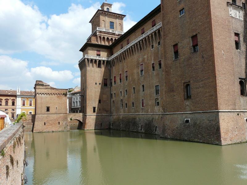 Le château d'Este à Ferrare (Italie) P1240914