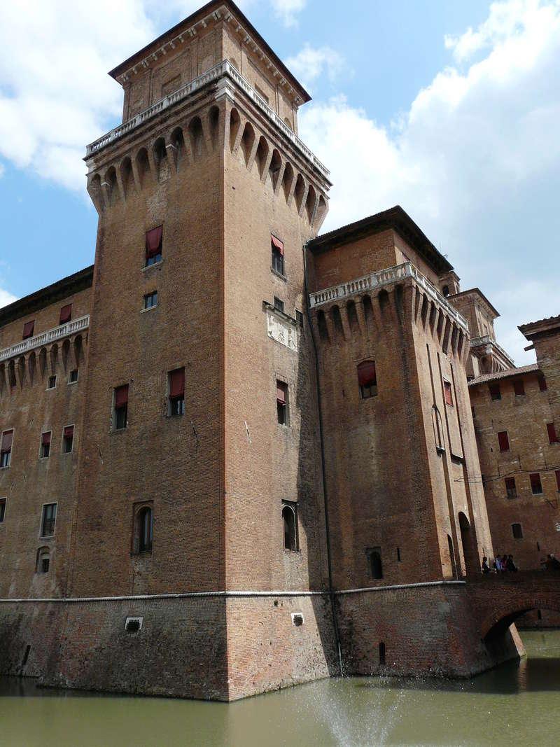 Le château d'Este à Ferrare (Italie) P1240915