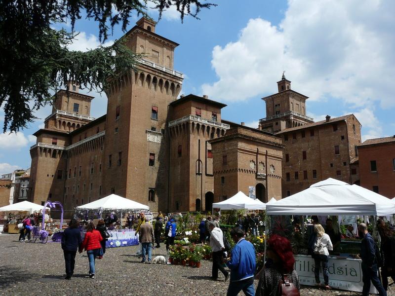 Le château d'Este à Ferrare (Italie) P1240916