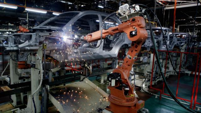 Activité 10 : Pour ou contre les robots au travail ? (avant vendredi 12 mai à minuit) Robot-10