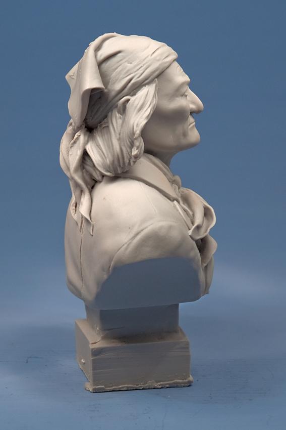 Buste de Geronimo 1/7 transformé (Terminé) Edan_025