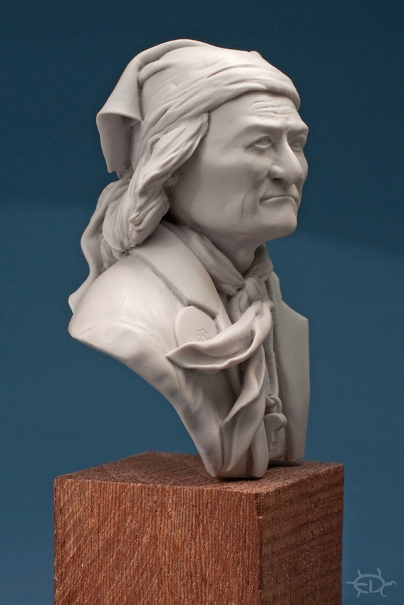 Buste de Geronimo 1/7 transformé (Terminé) Edan_026