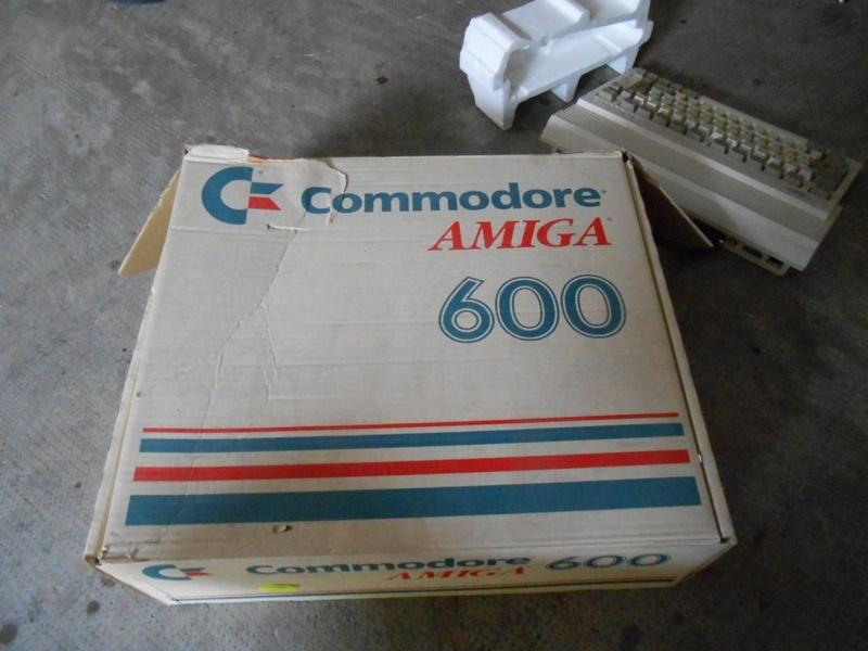 vendu Commodore amiga 600  B10
