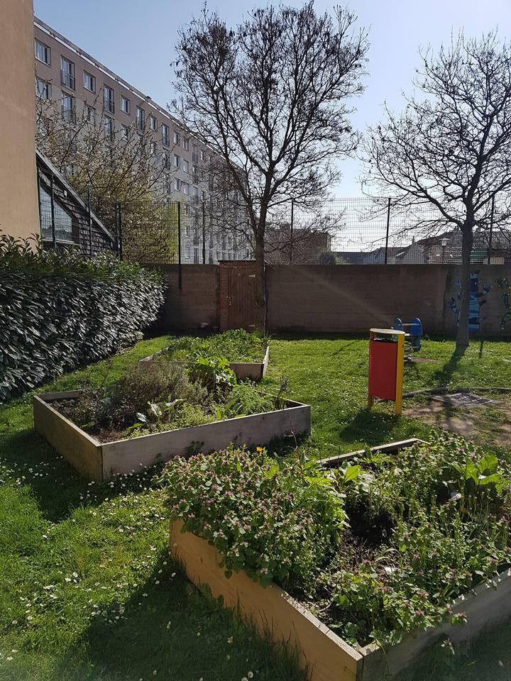 Privatisation de nos espaces publics - Square Beaudoin - Page 4 17458210