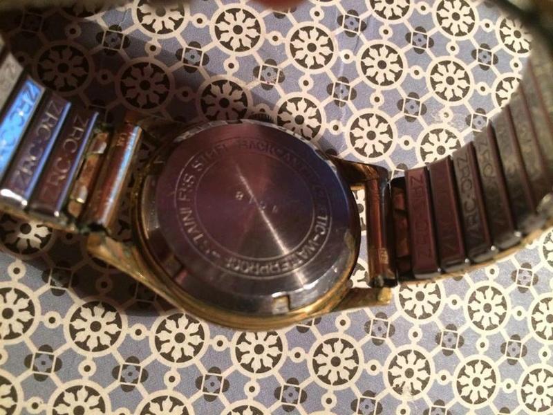 Jaeger -  [Postez ICI les demandes d'IDENTIFICATION et RENSEIGNEMENTS de vos montres] - Page 41 18643710
