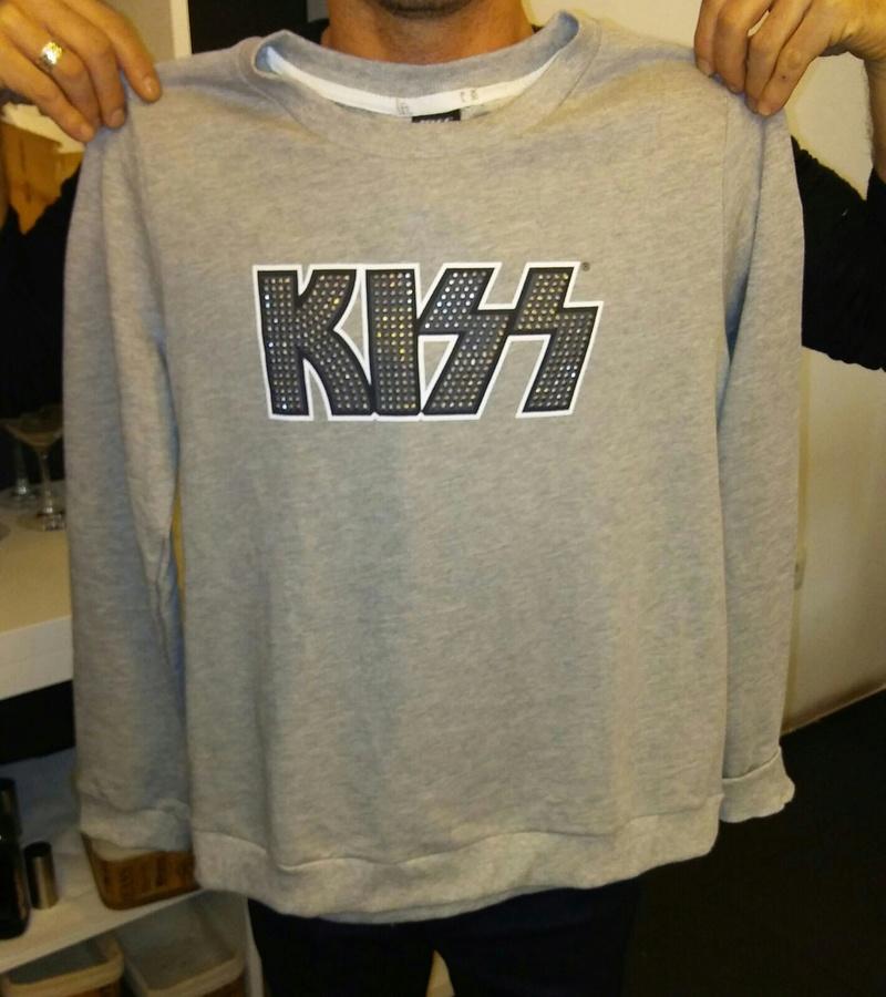 Nuevos modelos de camisetas de Kiss en Zara y Pull and Bear Img-2010