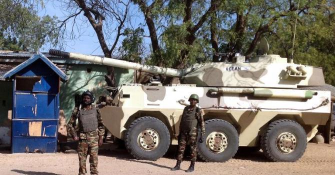 Forces Armées Camerounaises - Page 5 A1632810