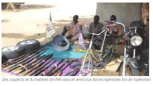 Forces Armées Camerounaises - Page 5 A1665610