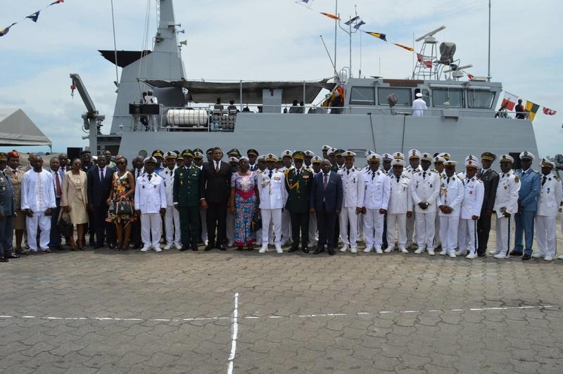Forces Armées Camerounaises - Page 5 A1704711